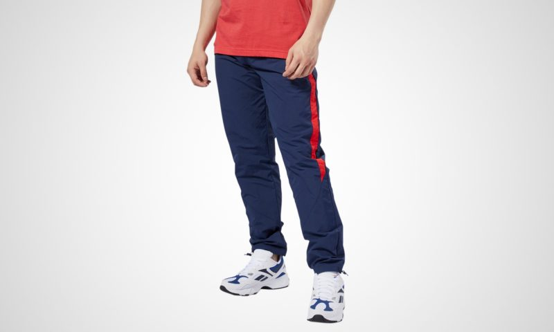 Want to buy fashionable male jeans and t-shirts through online store