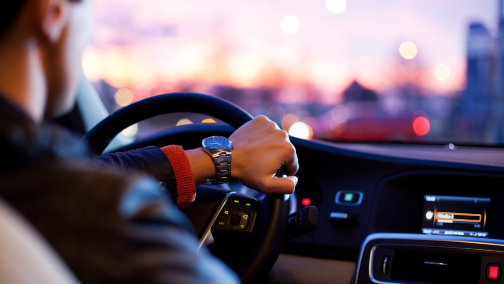 What are the benefits of car hire service?