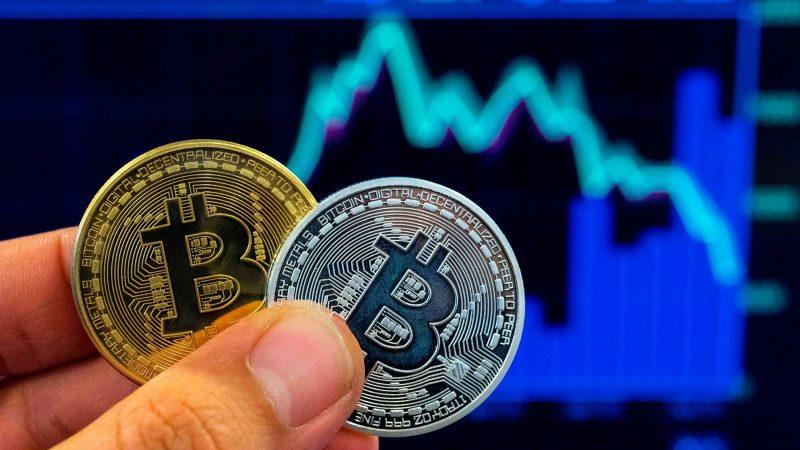 How to earn bitcoins?