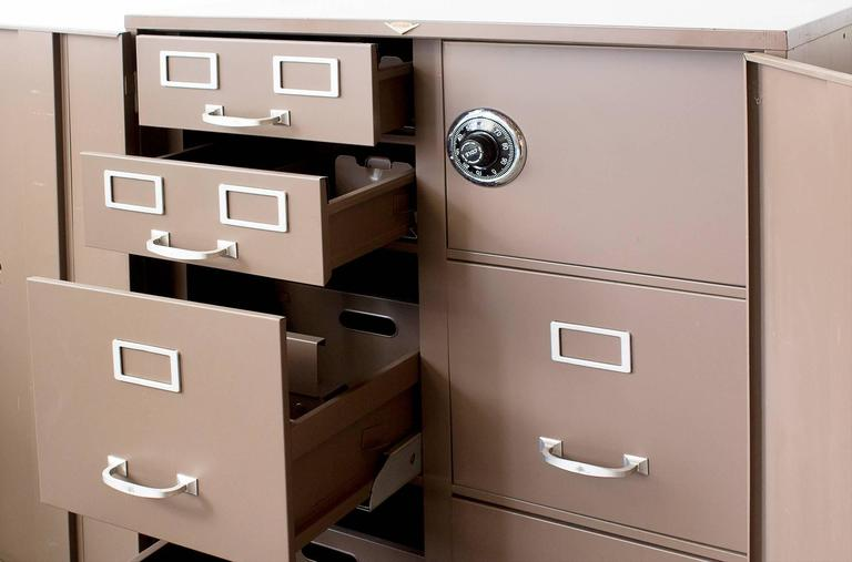 WHY ITS IMPORTANT TO HAVE A FRIREPROOF FILING CABINET