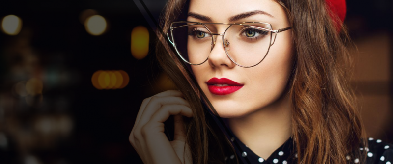 Tips to Choose Optical Shops for Buying Attractive Eyeglasses