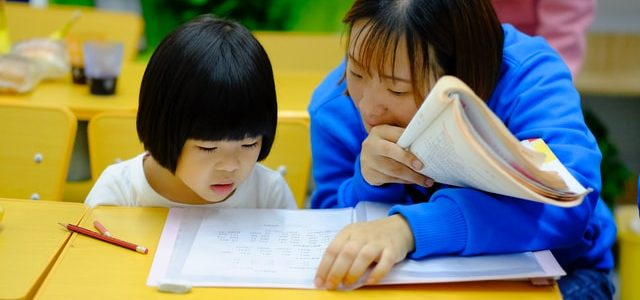 Chinese Tutor Rate Singapore: What Are The Top Factors To Take Into Consideration?